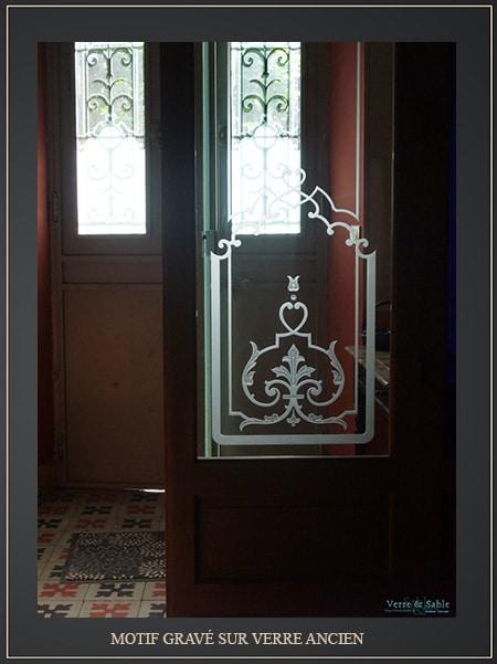 Porte-et-cloison-de-verre-anciens