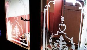 anciens décors gravé sur verre par sablage