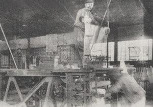 La fabrication du verre par etirage a Aniche