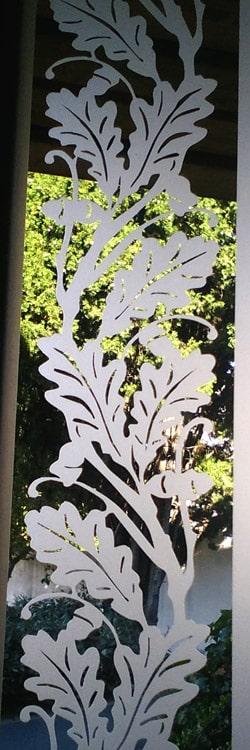 Vitre ancienne feuilles de chene